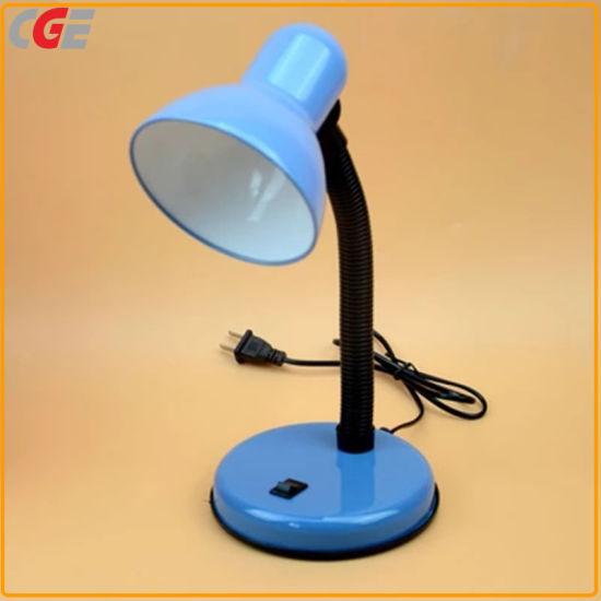 Lampe de bureau à LED Ampoule de LED Douille de lampe Économies d'énergie E27 porte lampe de table de salle de lumière pour l'étude Table Office de