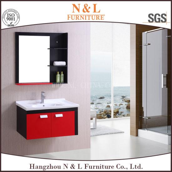 Salle de bains en PVC rouge et noir de la vanité