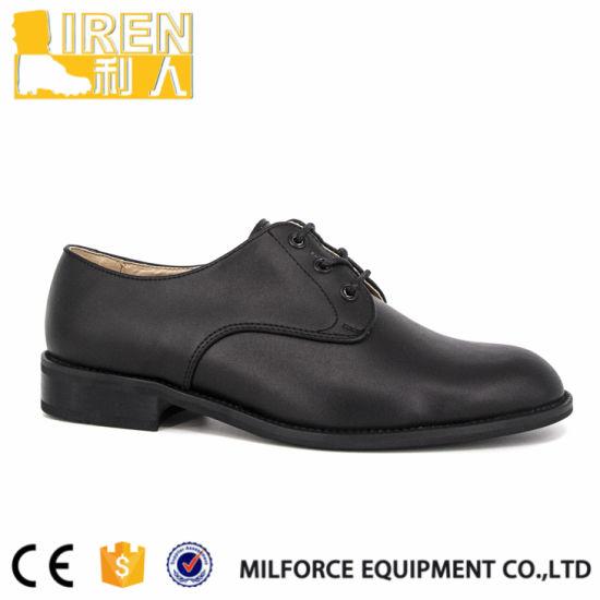 Los hombres negros oficial militar zapatos