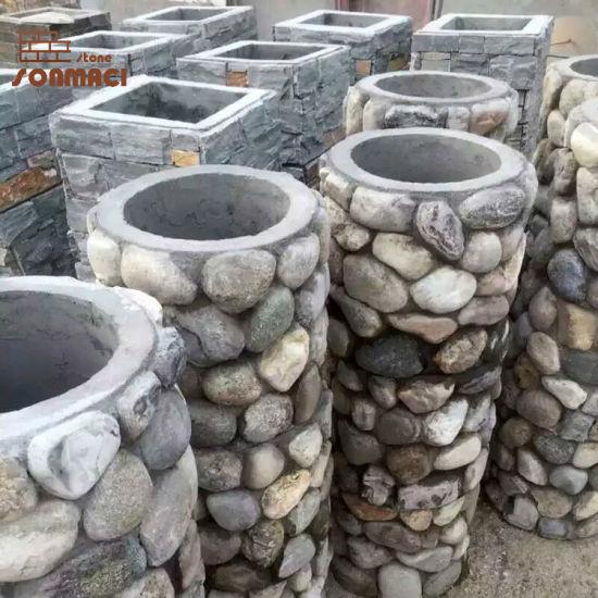 Décoration de jardin Pierre piliers de galets