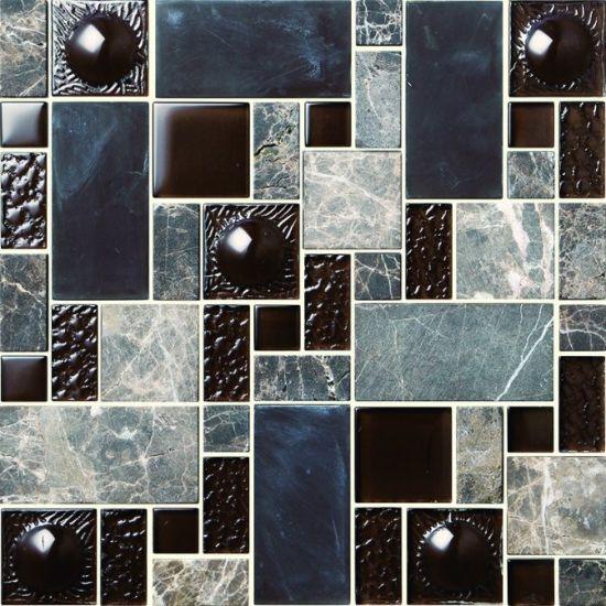 Salle de bains en brique mur et sol en mosaïque de verre bleu