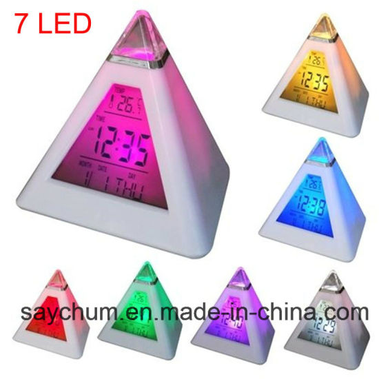 7 DEL Pyramide Changement Couleur Horloge numérique avec date température réveil