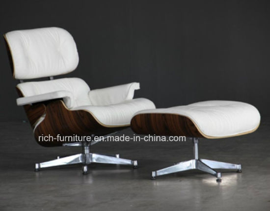 Charles Eames Lounge Chair Con Ottomano