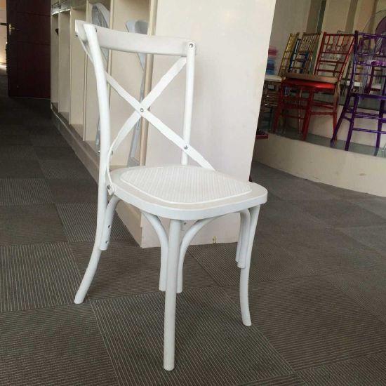 China Cruz de plástico de resina blanca silla hacia atrás en