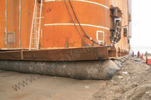 Steel portable cofferdam launched with marine airbags