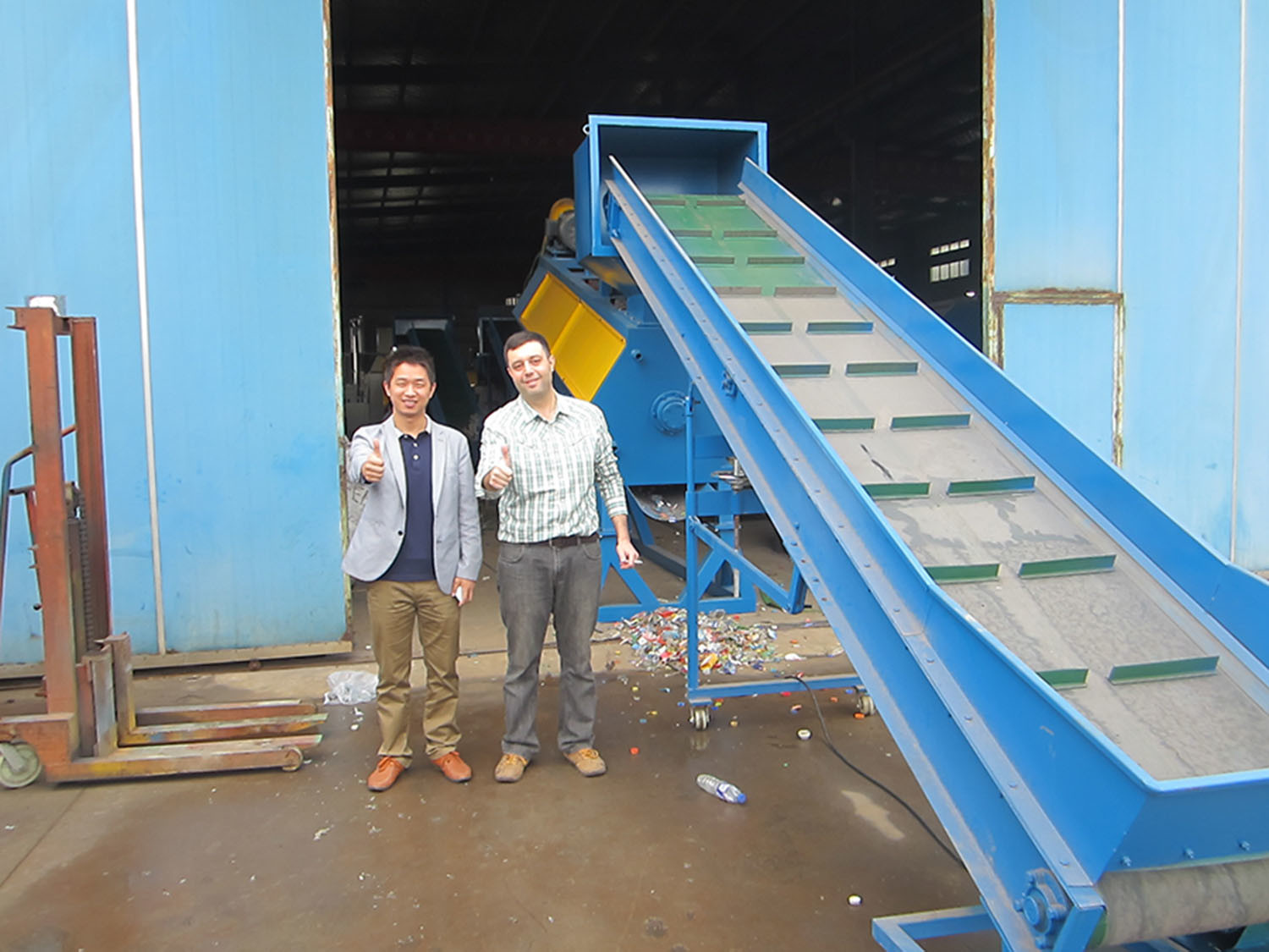 Customer from South Africa for PET bottle recycling machine
