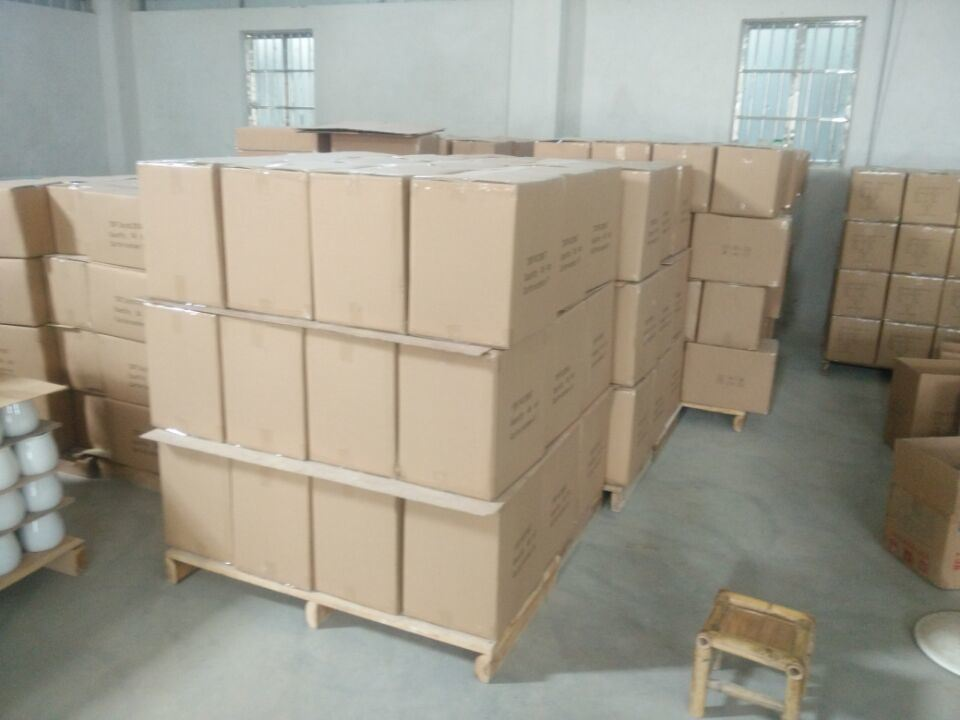 warehouse packing