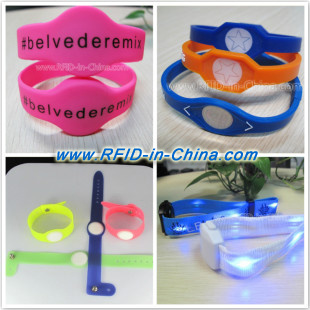 Personalized RFID Bracelets from DAILY Make Festivals More Gorgeous and Interesting