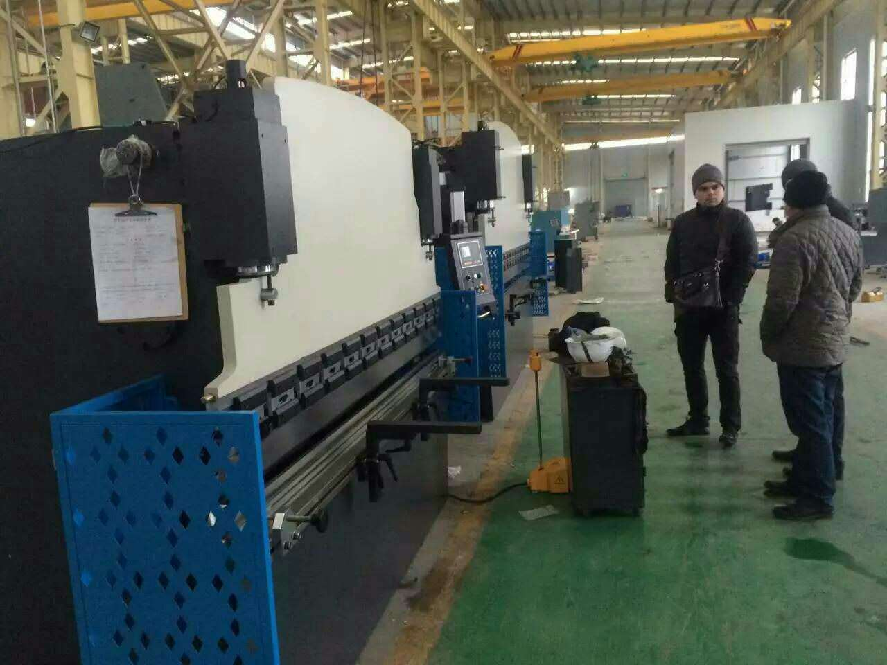 The customer order the hydraulic press brake