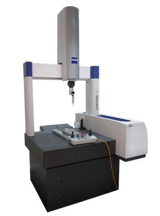 three-dimensional measuring machine