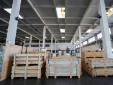 Packaging and loading platform