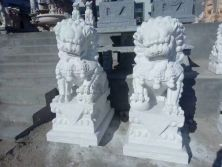 marble lion sculpture