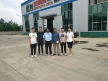 customer from Pakistan visited our semi trailer workshop