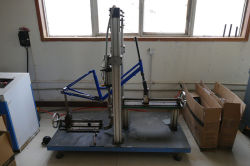Frame fatigue testing machine