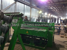 Install automatic wire mesh welding machine in russia