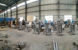 Hydraulic oil press machine workshop