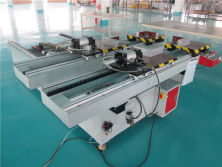 Solar panel frame assembly machine