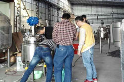 Visit to our factory and test the stainless steel tank