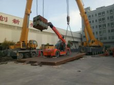 telescopic crane test lifting weight in our factory