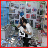 Discussint Products Details With Guangzhou Fair Customer
