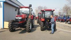 Foreign Customer tested our 150hp wheel tractor
