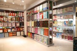 Bulk paper bag showroom -Jialan Package