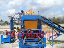 QT4-15C automatic concrete block making machine in Tanzania
