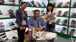 The client from Russia visit our booth in 115 Canton Fair