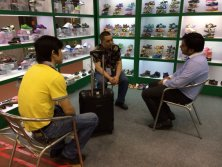 The old client from UAE come to our booth in 115 Canton Fair