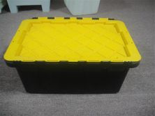 we are specilized in making plastic storage box molds