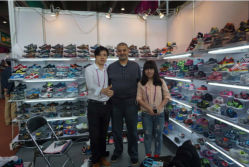 The client from Egypt come to visit us in Canton Fair
