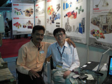India customers are happy together with Mr.Richard in the exhibition