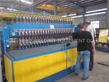 Install steel wire mesh welding machine in Algeria