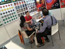 Discuss with Clients in Fair