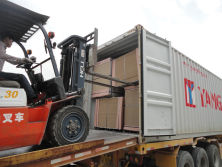 Melamine MDF Board Package Loading