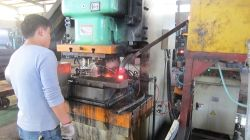 hot forging press 160ton is foring bolts