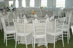 Round Table and Table cloth