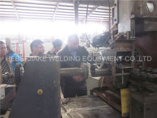 Russia Customer Visit Wedged screen welding machine