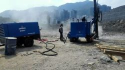 Portable Screw Air Compressor Working with Drill Rig