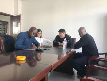 African clients signed a contract with hanfa group for water drill machine on 6th,November,2017.