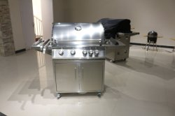 4 main burner gas grill