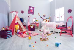 Girls′s room