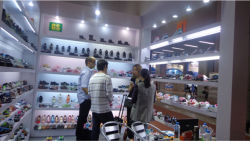 The Client From South America Visit Greatshoe Booth in 112 Carton Fair