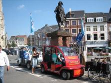 Suzhou Eagle′s Electric Personal Carrier in The Down Town of a City in Holland