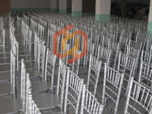 China Professional Wood Chiavari Tiffany Chair Manufacturer