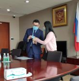 Donate nano masks to the Russian consulate