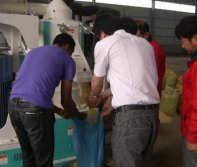 Testing The Milling Machine When Client Visit Our Factory