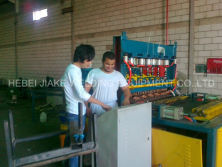 Install pneumatic mesh welding machine in Saudi Arabia