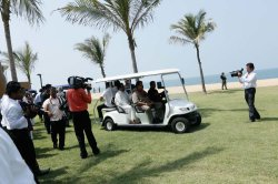 Lovol golf cats was successfully presented to the president of Ari Lanka for the first time