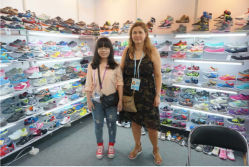 The old client from Finland come to visit us in Canton Fair